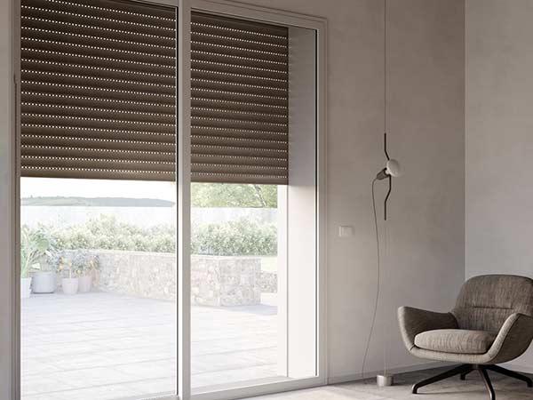 Tapparelle-sistemi-oscuranti-per-finestre-modena